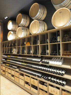 Agencement du rayon Cave à vin de l'Intermarché de Thonon-les-Bains