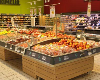 Mobilier présentoir rayon fruits et légumes